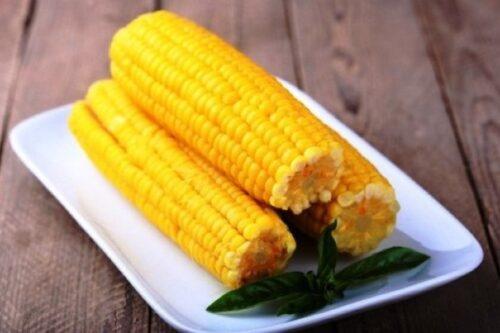 Кукуруза в початках 1 кг