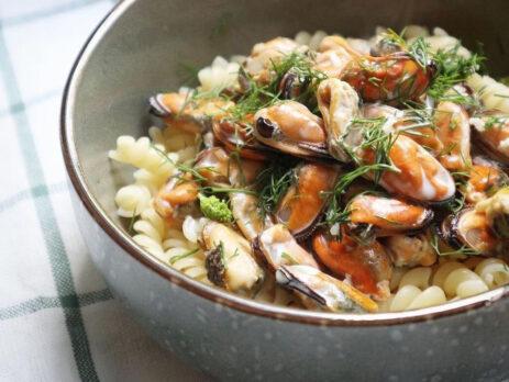 Паста 🍝 с мидиями в чесночно-сливочном соусе